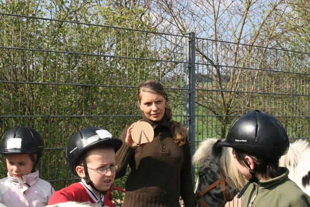 Der Huf im Modell - HIPPOLINI®-Kinder lernen spielerisch die Pferdeanatomie kennen